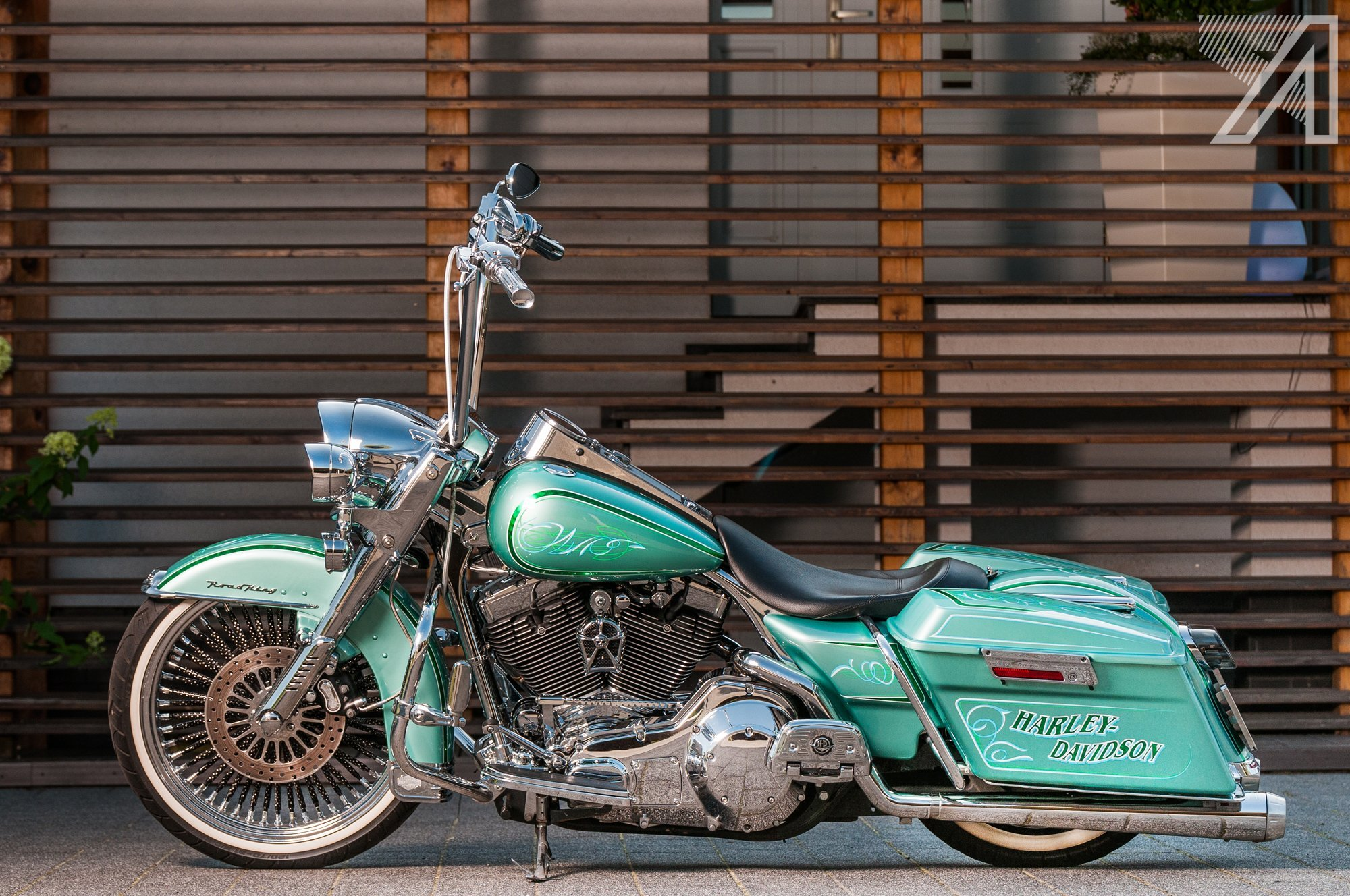 2016-10::1476001596-h-d-road-king-green-candy-leaf-13.jpg