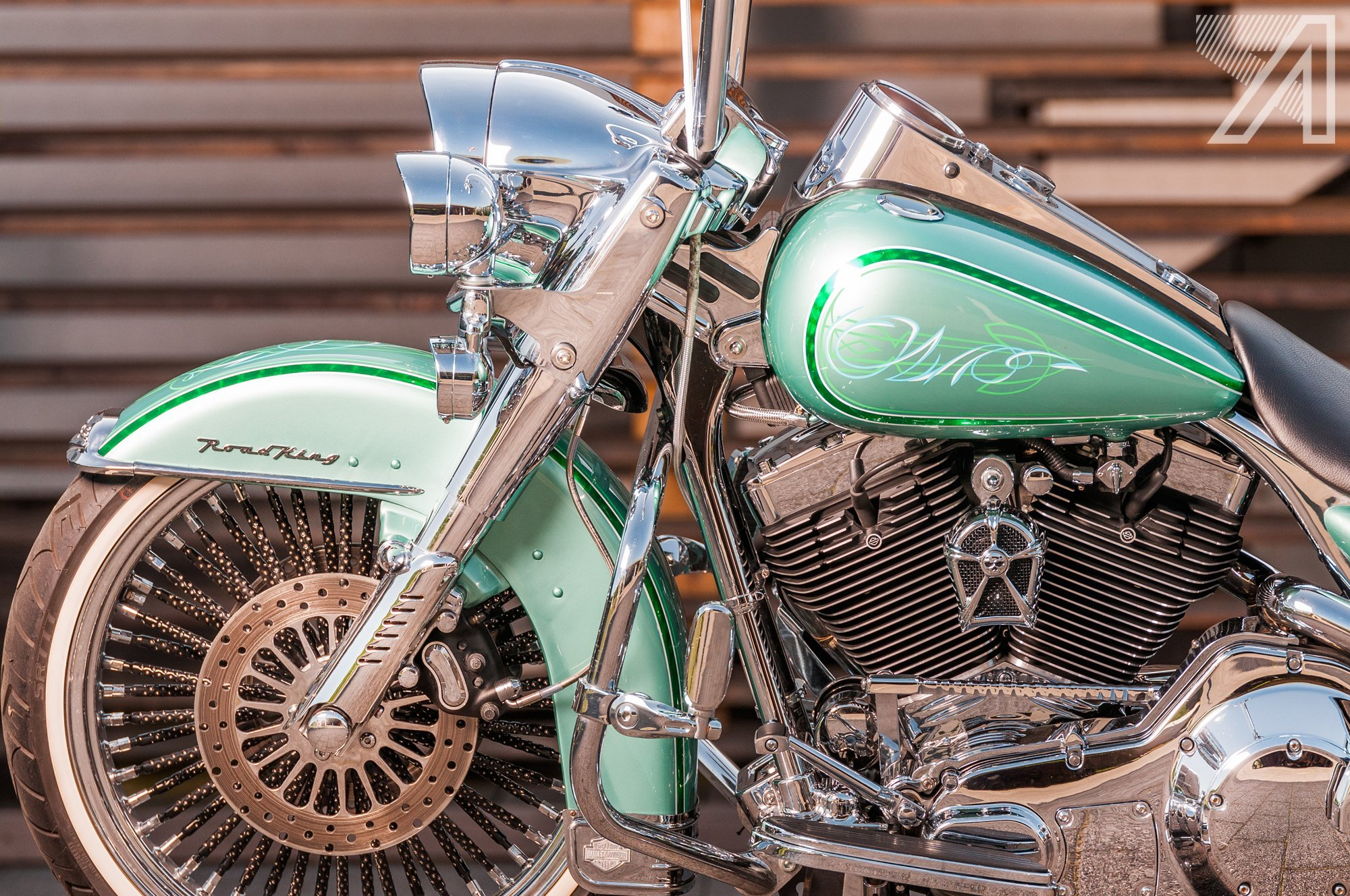 2016-10::1476001599-h-d-road-king-green-candy-leaf-7.jpg