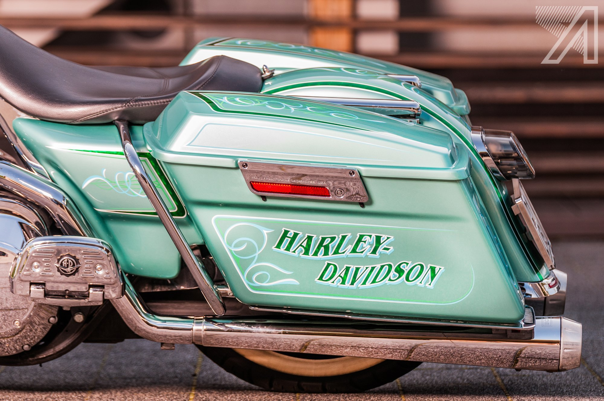 2016-10::1476001616-h-d-road-king-green-candy-leaf-10.jpg